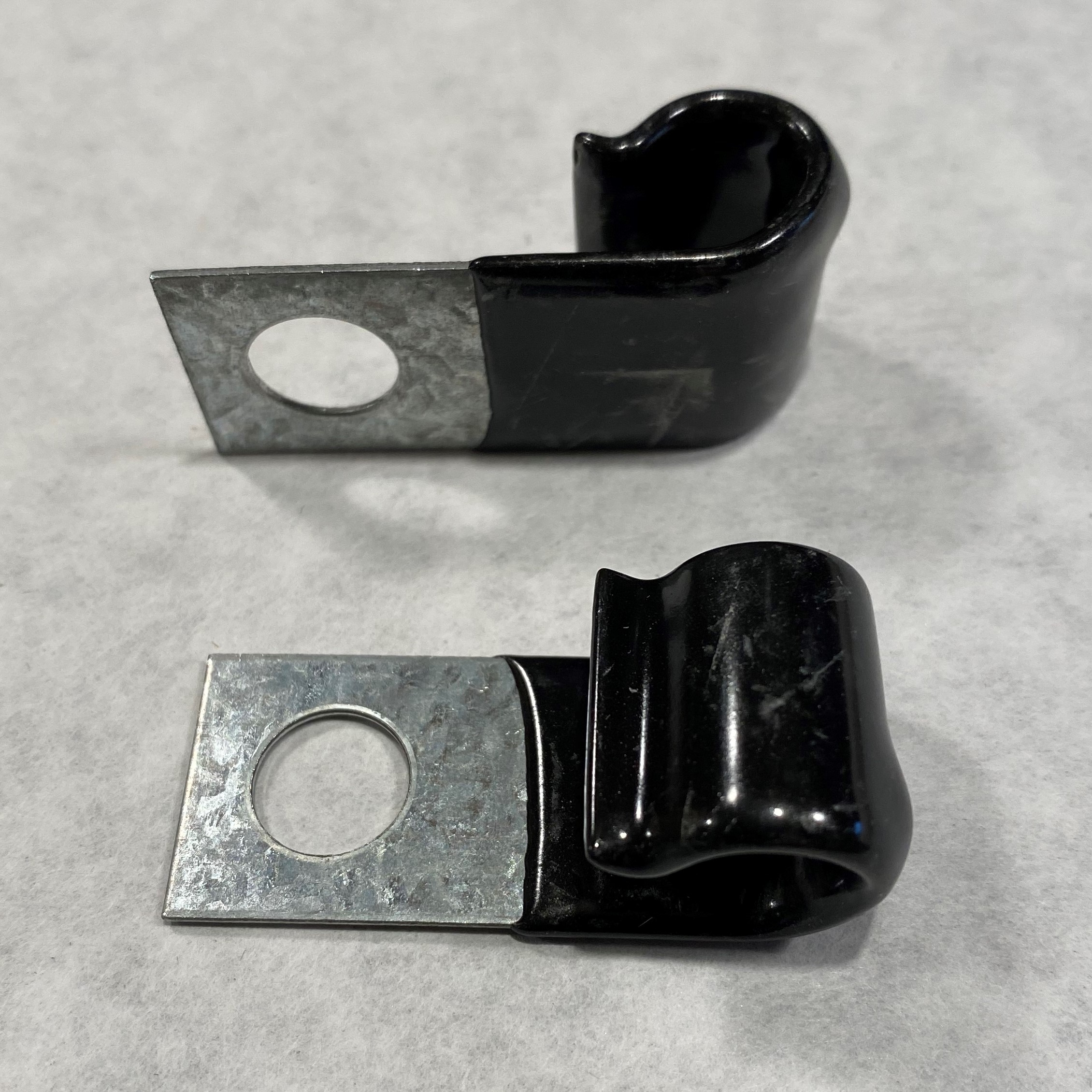 Wiring Harness Insulated Retention Clip 3/8″ – 1 Each
